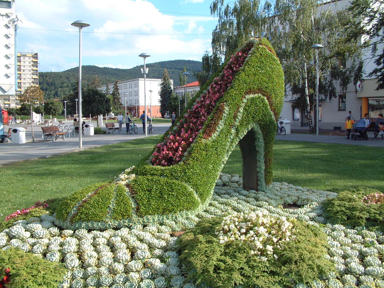 Kvetinová topánka